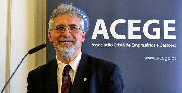 """João César Neves na sessão on-line no Algarve """"Esta vai ser a maior crise da nossa vida, mas não necessariamente a pior"""""""